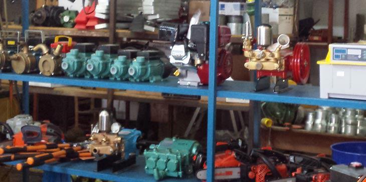 Η Ένωση Αγρινίου προσπαθεί πάντα να προσφέρει ολοκληρωμένες λύσεις για τον παραγωγό. Το ίδιο κάνει και με το κατάστημα εφοδίων και μηχανημάτων.