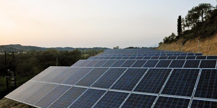 Για την καλή λειτουργία των φωτοβολταϊκών πάρκων, αναπτύξαμε υπηρεσίες που παρακολουθούν, συντονίζουν, παρεμβαίνουν όπου και όταν χρειάζεται.