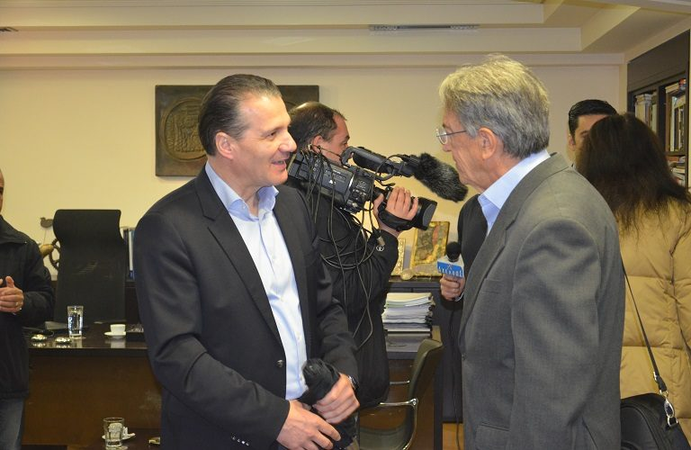 Ο γενικός γραμματέας του ΥΠΑΑΤ κ. Νίκος Αντώνογλου και ο πρόεδρος της Ένωσης Αγρινίου κ. Θωμάς Κουτσουπιάς.